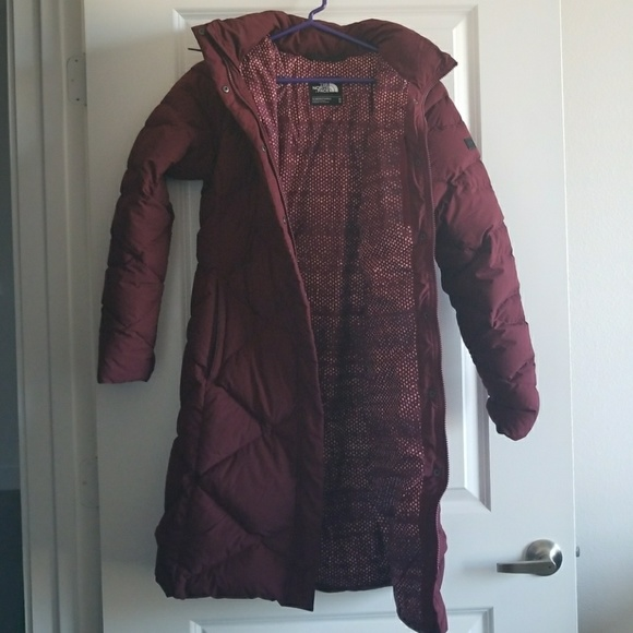 ... THIS ITEM IS SOLD! The North Face Women s Miss Metro Parka (Burgundy).  M 5a99bc1a5512fdd7a8d909e0. Other Jackets ... 8d1721d6f